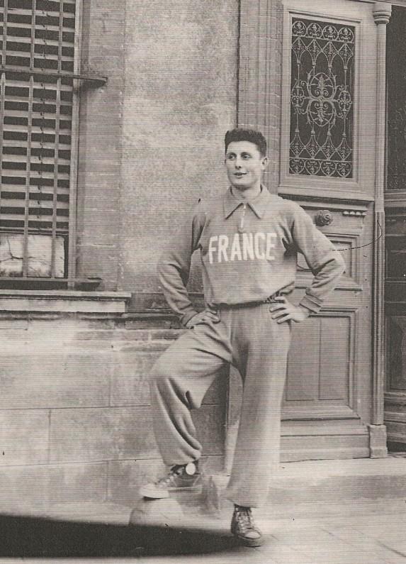 Louis Bertorelle avec le survêtement de l'équipe de France