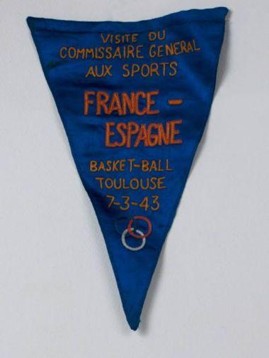 Fanion France-Espagne 1943 (photo Musée du Basket, FFBB)