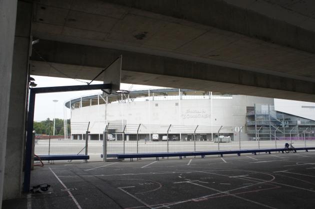 Le Stadium du TFC en décor de fond