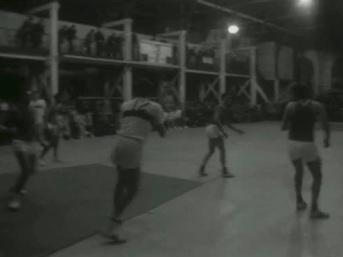 Les balcons du Pré-Catelan - RCMT - Stade Français (1969) - Photo INA